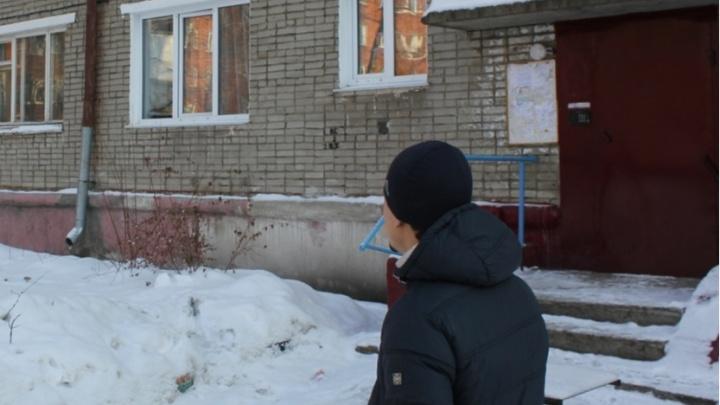 В Омске подростков, которые убили женщину ножами и молотком, отдали под суд
