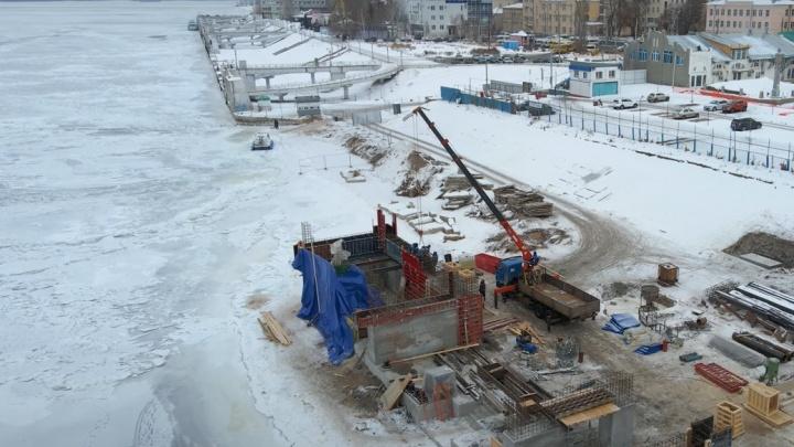 Как-то криво: на берегу Волги в Самаре возвели бетонный каркас нового причала