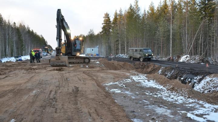 Самый проблемный участок дороги Усть-Вага — Ядриха начали ремонтировать в Верхнетоемском районе