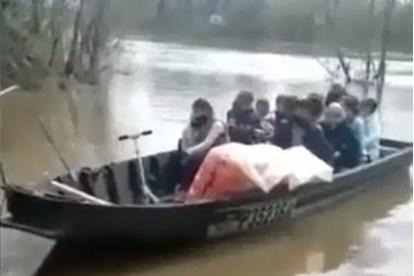 Самоизоляция? Не слышали: уфимцы переплыли реку толпой, не боясь подхватить коронавирус