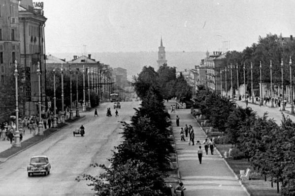 Комсомольский проспект в 1960-х: картина узнаваемая, но с массой отличий от современной