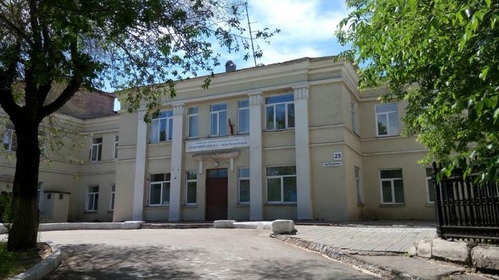 Роддом второго по величине города Челябинской области перепрофилировали под пациентов с COVID-19