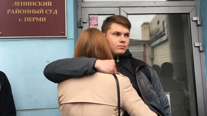 В Перми огласили приговор фигурантам дела о «кукле с лицом Путина». Как проходил суд
