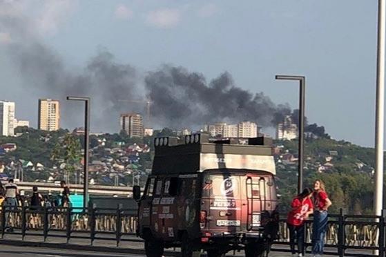 В Уфе произошел крупный пожар, очевидцы сняли видео