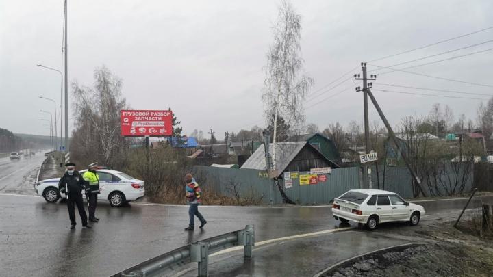 Террористы, которых ликвидировали под Екатеринбургом, устроили оружейный склад в брошенной сторожке