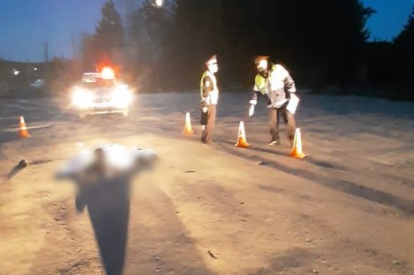 Lada сбила молодого человека, который стоял на дороге
