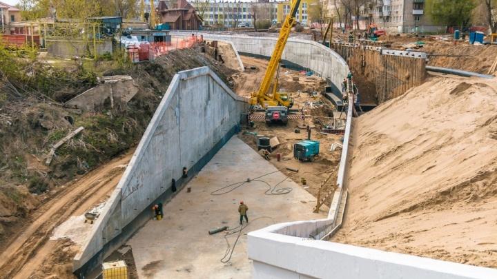 Стало известно, почему Фрунзенский мост до сих пор не ввели в эксплуатацию