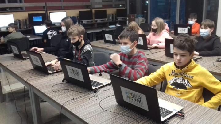 Адвент-календарь: в школе KIBERone, где воспитывают новое IT-поколение, пробный урок проводят бесплатно