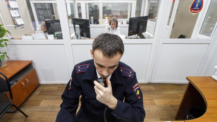 Испугался и уехал: в Волгограде «Лада» сбила двух человек на пешеходном переходе
