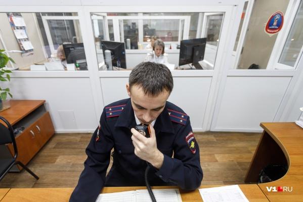 Виновник аварии успел спрятаться в Волжском