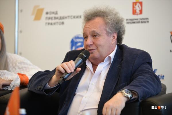 В этом году команда Евгения Горенбурга сняла сериал и провела несколько фестивалей, один из которых стал самым крупным в мире