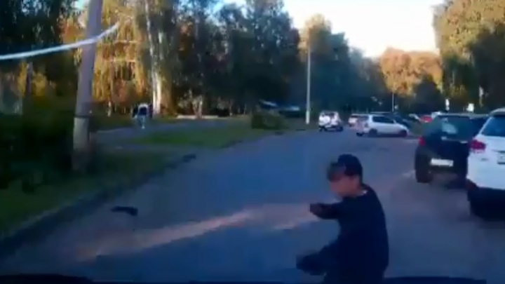 В Башкирии мажор на Land Cruiser сбил ребёнка, момент попал на видео
