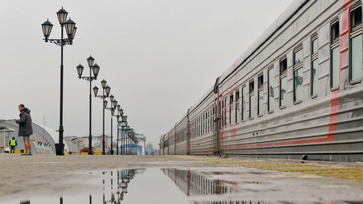 В оперштабе пояснили, почему в поезде Архангельск — Котлас не обязательно носить маску