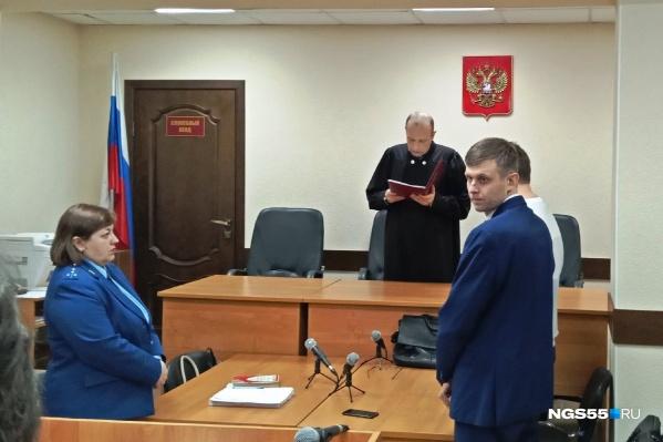 Гособвинитель просила назначить Казакову пять с половиной лет лишения свободы, а Юмашевой — четыре года