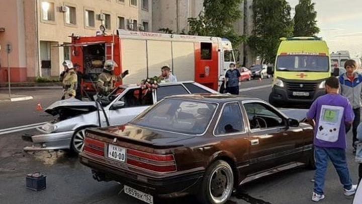 Массовая авария на Нижне-Волжской набережной попала на видео