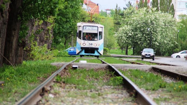 В Омске трамвай № 2 не будет ездить три дня из-за ремонта путей