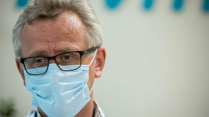 Сколько дней человек с коронавирусом остается заразным? Когда пропадут антитела? 4 вопроса инфекционисту