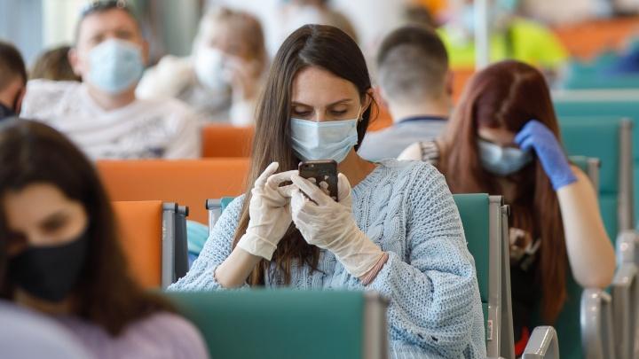 «При такой температуре и маска теряет актуальность»: волгоградцы — об отмене перчаточного режима