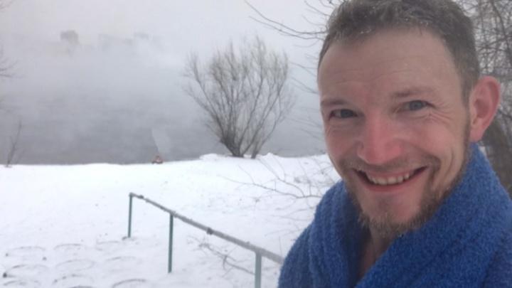 «Как заново родился!»: красноярец искупался в ледяной воде Енисея