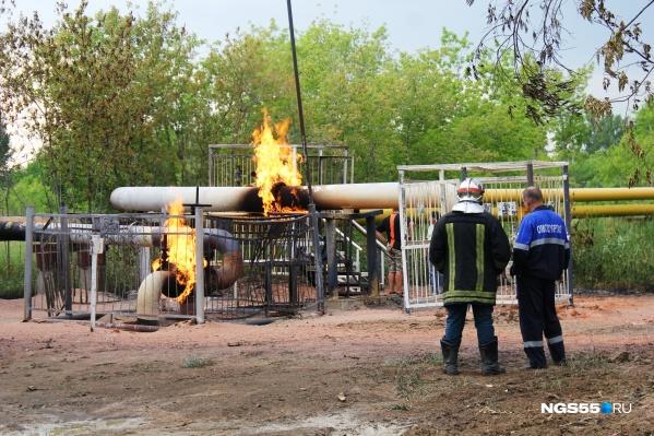 Спасатели справились с пожаром — теперь оставшийся газ должен выгореть полностью