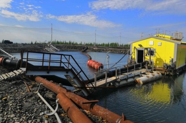 Талнахская обогатительная фабрика находится в 9 км от района Талнах. В тундре оказалась неустановленная жидкость с химическим запахом