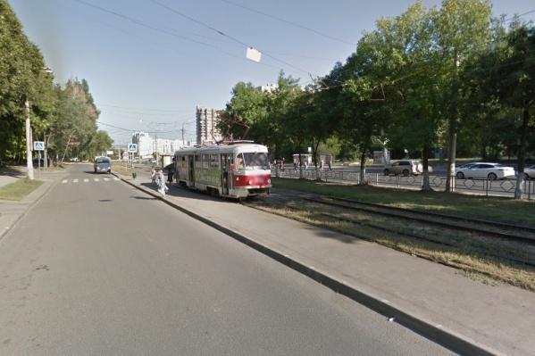 Самарцы пожаловались на отсутствие трамвайных остановок