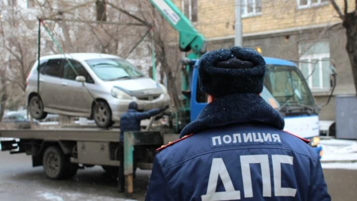 Девять водителей оштрафовали за неправильную парковку в центре города за час рейда
