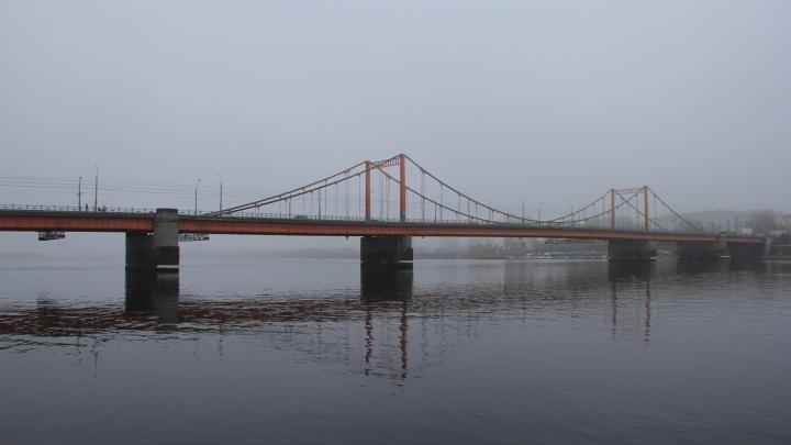 После ссоры с супругой мужчину пришлось снимать с Кузнечевского моста с участием спасателей