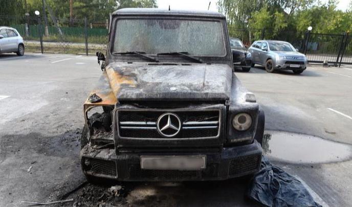 В Кургане задержали мужчину, который поджёг Mercedes директора рынков
