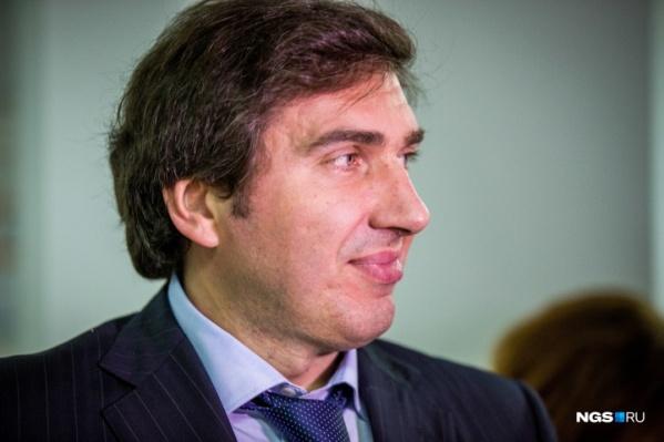 Константин Хальзов на брифинге рассказывает о ситуации в регионе с коронавирусом