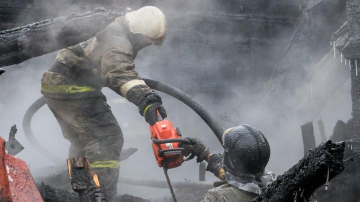 В Прикамье на пожаре в частном доме погибли два человека