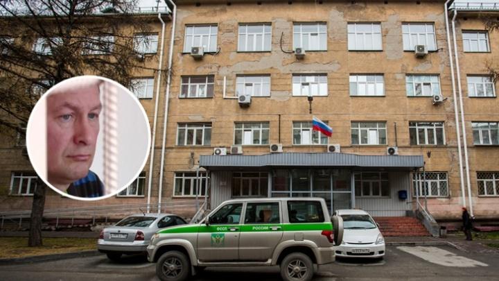 Адвокату-мошеннику из Новосибирска добавили срок за присвоение четырех чужих квартир