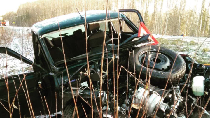 В Прикамье при столкновении «Нивы» и автобуса пострадала беременная женщина