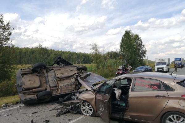 ДТП произошло в субботу в окрестностях Ирбита в соседней Свердловской области