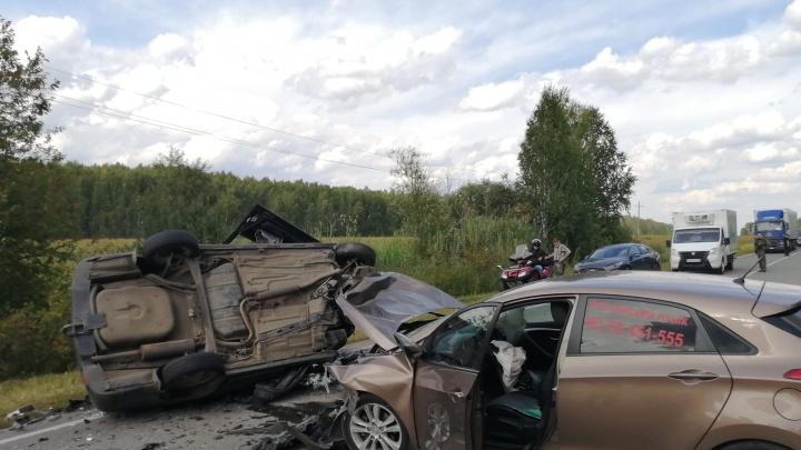 Семья из Тюмени пострадала в лобовом столкновении на трассе в районе Ирбита