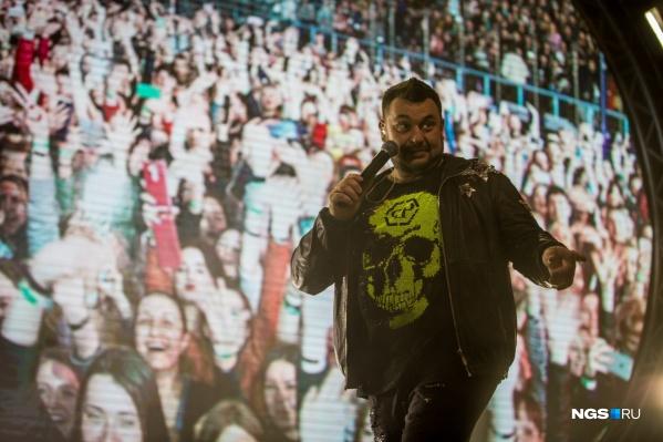 Сергей Жуков не сможет простить себе, если поклонники принесут домой коронавирус из-за посещения концерта «Руки Вверх!»