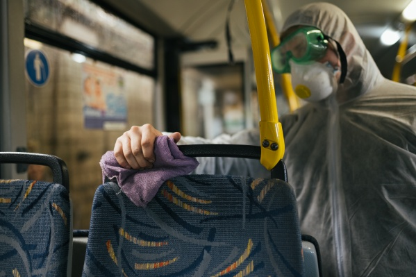 Все контактные зоны в автобусах обрабатывают новым способом