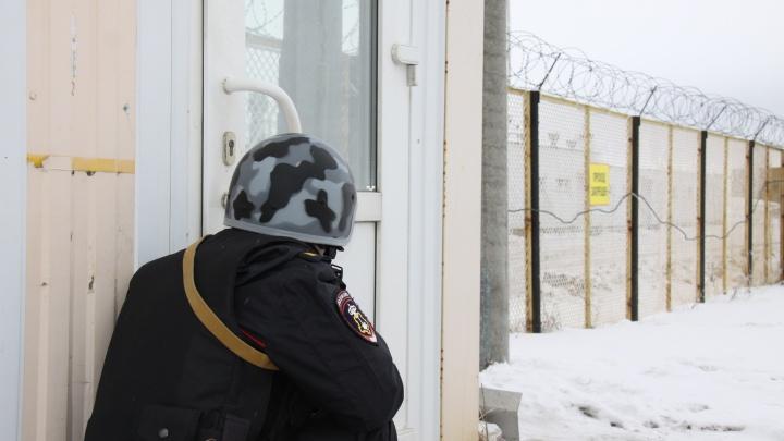 Из изолятора в Архангельской области сбежали двое задержанных. Их поймали через несколько часов