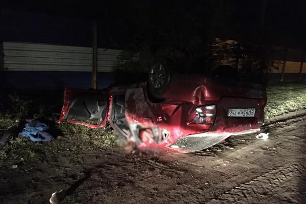 Водитель и пассажирка погибли на месте