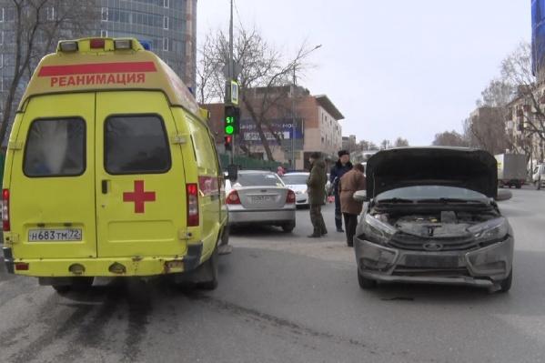 Медицинские учреждения будут работать в особом режиме, а сотрудники полиции и спасатели — в обычном, но небольшие ограничения все же есть