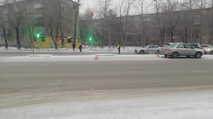 В Кировском районе водитель «Лексуса» на пешеходном переходе сбил 16-летнего подростка