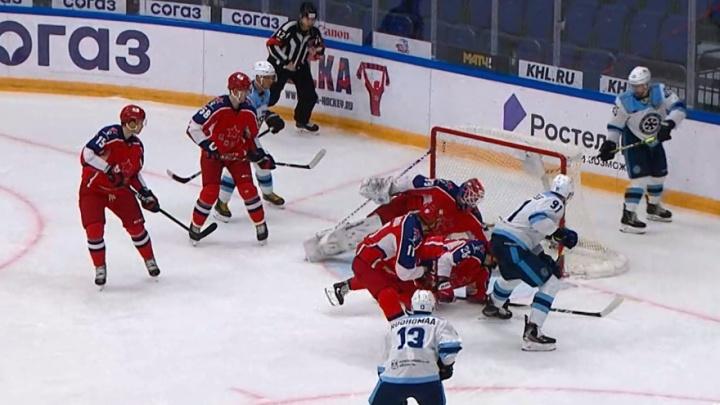 Хоккеисты «Сибири» в гостях разгромили московский ЦСКА