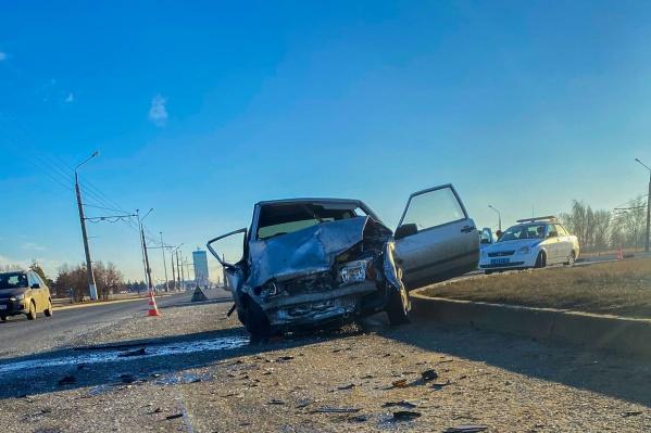 Водитель легковушки получил смертельные травмы