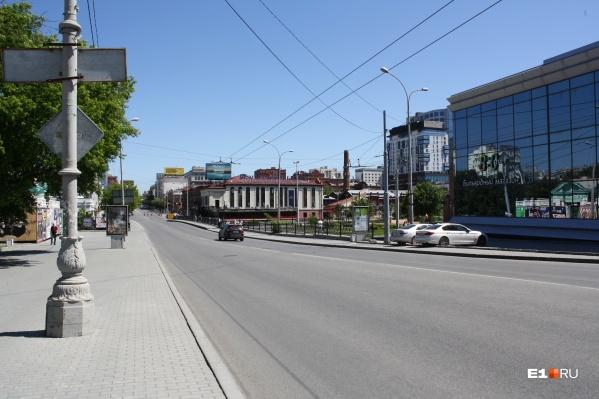 После реконструкции Малышева станет транзитным коридором, где будет негде парковаться