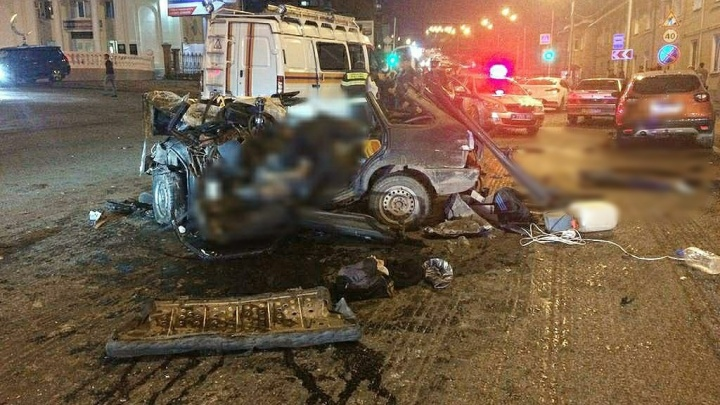 В Уфе в ДТП попало шесть автомобилей, два человека погибли