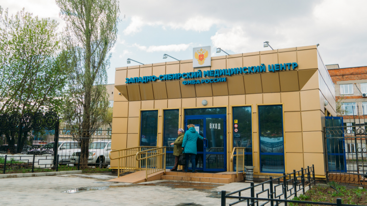 В Омске одна больница официально перестала принимать пациентов с COVID-19