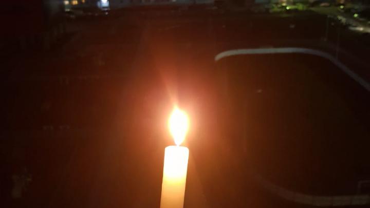 Жители Новосибирска зажгли свечи в память о погибших на войне героях