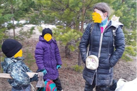 Семья из Артемовского пыталась спрятаться от коронавируса в лесу, но ее оштрафовали
