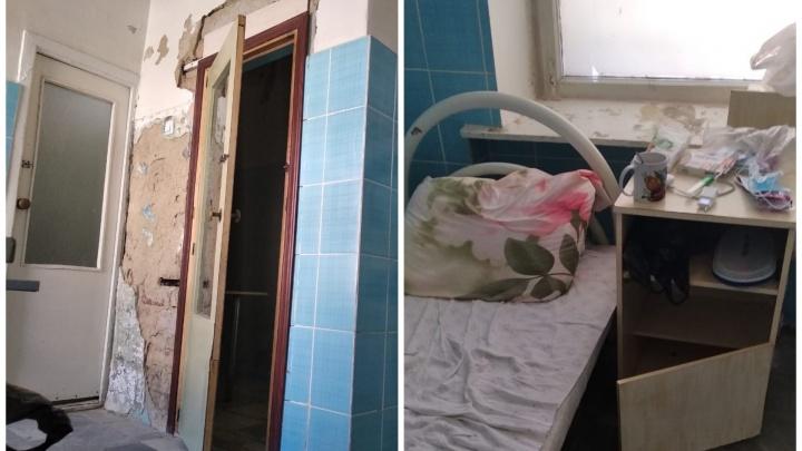 «С потолка падает штукатурка, на стенах пауки»: пациент белоярской больницы показал, где лечат COVID-19