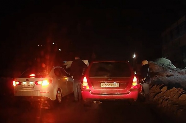 Инцидент произошёл на улице Автогенной в Октябрьском районе поздним вечером 1 марта